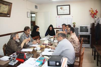 اولین نشست و هماهنگی برنامه های فرهنگی - هنری کانون ها و انجمن ها در سال 94 در بوئین زهرا برگزار شد