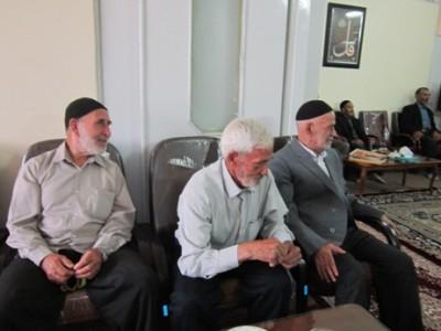 گزارش تصویری ديدار مسئولين و شهروندان با امام جمعه بوئين زهرا در روز عيد سعيد فطر