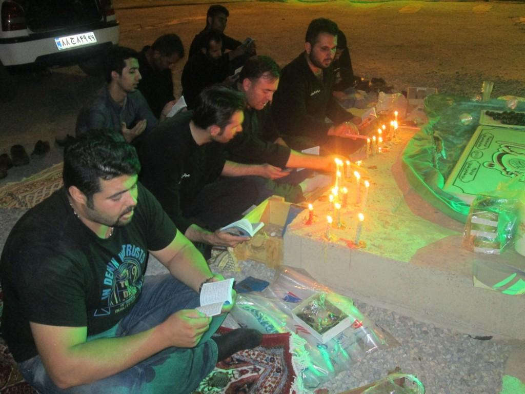 گزارش تصویری از مراسم شب قدر و عزاداری شب شهادت امام علی(ع) در کنار مزار شهدای گمنام