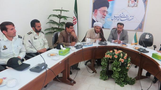 همه نهادها باید در زمینه زنده نگه داشتن یاد و خاطره امام تلاش نمایند