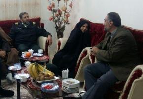 دیدار فرمانده نیروی انتظامی استان و رئیس بنیاد شهید با خانواده شهید علیاحمد گلچینراد