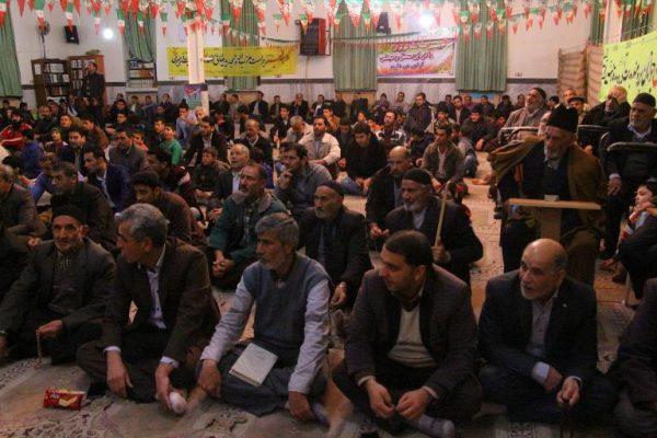 جشن انقلاب در مسجد امام خمینی (ره) دانسفهان با حضور پرشور مردم