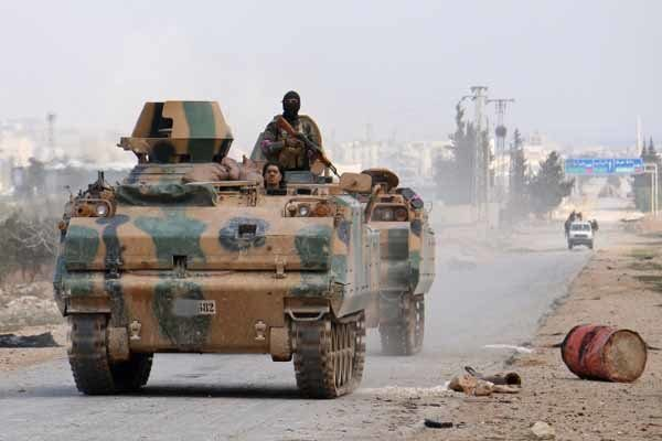 درگیری ارتش سوریه با نیروهای مورد حمایت ترکیه در جنوب الباب