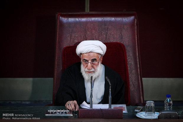 رئیس مجلس خبرگان رهبری : مردم نان شب ندارند؛ دولت مراسم ۵۰۰ میلیونی میگیرد