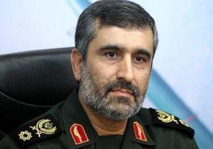 سردار حاجیزاده: موشک ماهوارهبر آماده پرواز ما را از ترس امریکا داخل انبار گذاشتهاند