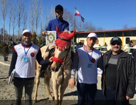کسب مقام اول رقابتهای نمایش سوار کاری قزوین توسط سعید رمضان زاده