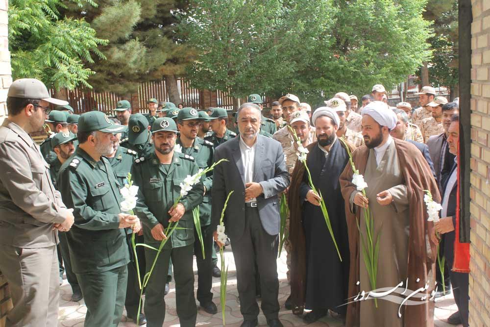 مراسم غبار روبی و عطر افشانی گلزار شهدای شهر بوئین زهرا برگزار شد
