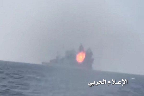 کشتی جنگی سعودی هدف نیروی دریایی یمن قرار گرفت