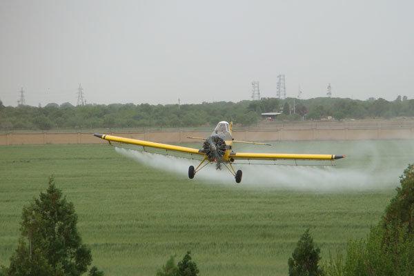 سمپاشی هوایی در مبارزه با آفات منسوخ شده و غیر علمی است
