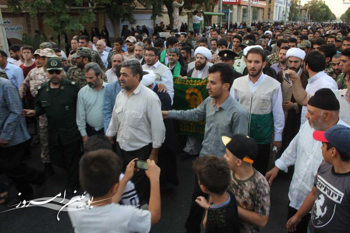 مراسم استقبال از خادمین حرم مطهر امام رضا (ع) در بوئین زهرا