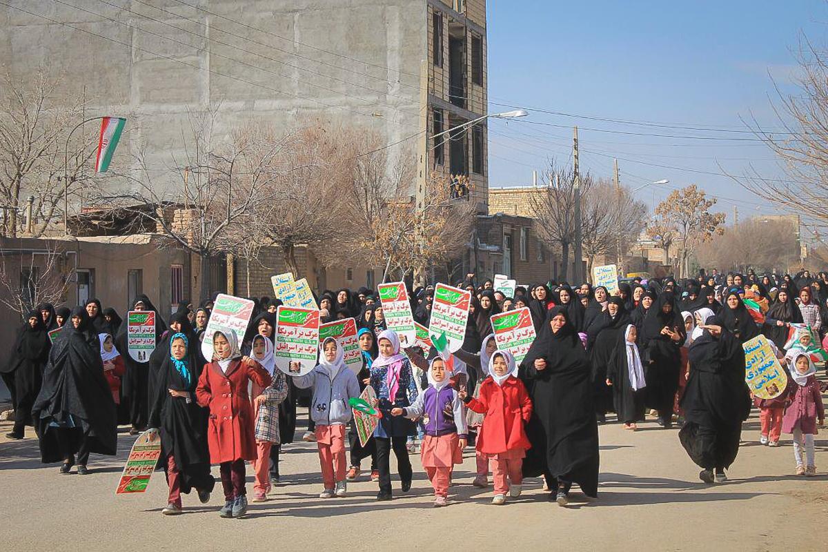 گزارش تصویری// 22 بهمن تماشایی در خوزنین
