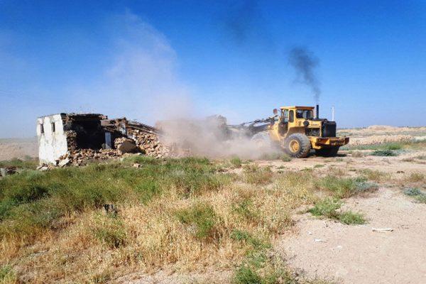بیش از 4 هزار و 500 متر مربع از اراضی بسترخررود بوئین زهرا رفع تصرف شد/ پاکسازی بستر رودخانه از انباشت زباله و ضایعات ساختمانی